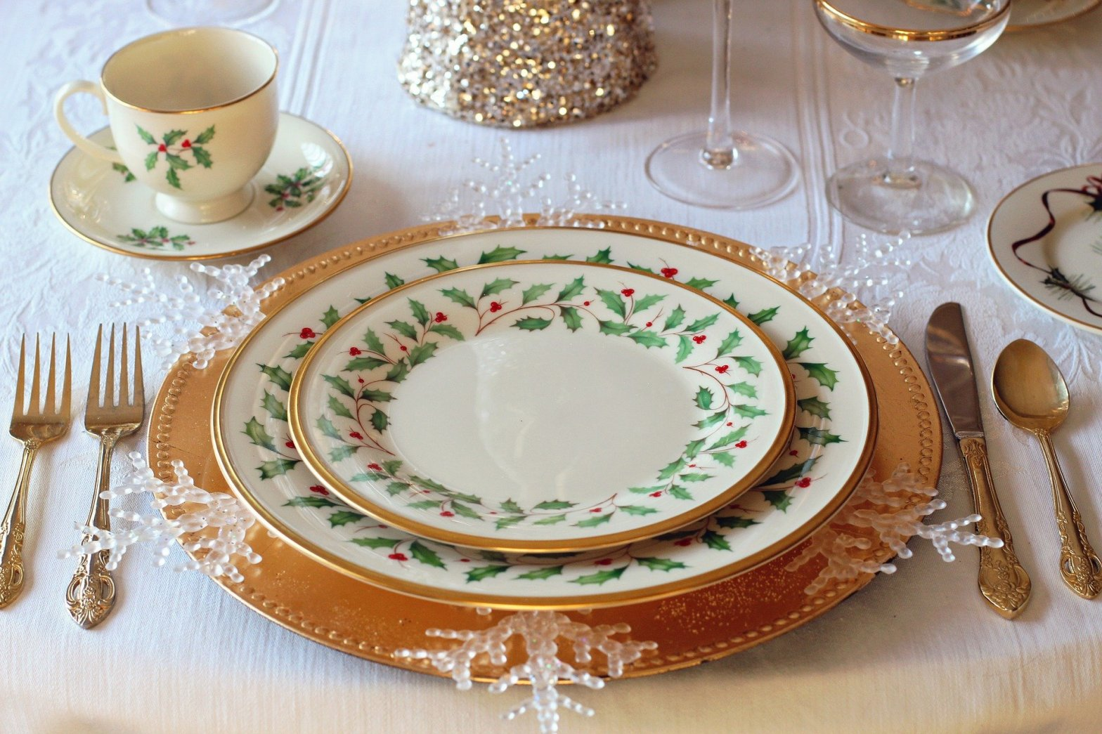 Christmas dinner place setting